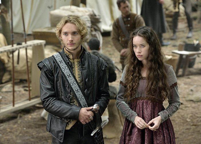 REIGN Season 2 Episode 1 Photos The Plague