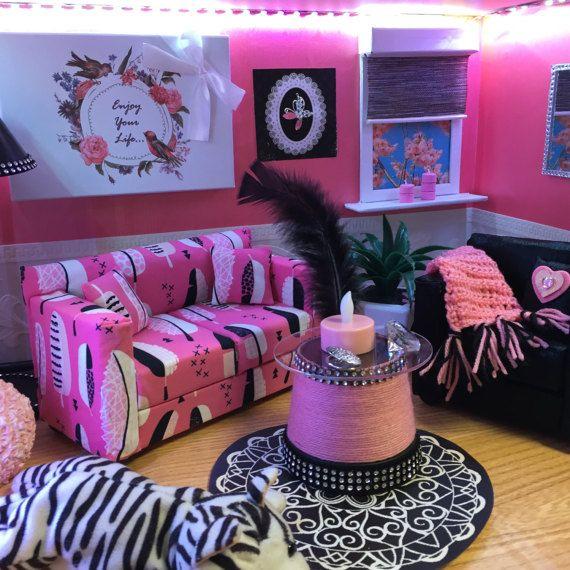 Die besten 25+ Monster High Puppenhaus Ideen auf Pinterest - barbie wohnzimmer möbel
