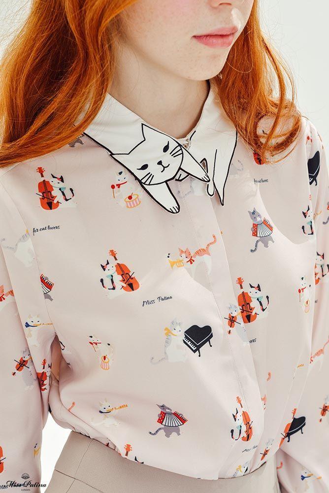 Estampado de gatos que tocan instrumentos. ¡Y el cuello! Es demasiado, pero la quiero. #MissPatina