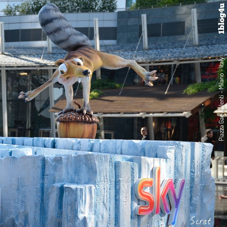 #SKY #Scrat : #Chris #Wedge - in #Gae #Aulenti square in #Milan , #Italy . #CheSpettacolo - #1blog4u #Gabriella #Ruggieri #blogger #blogging #bloggerstyle #lifestyle #bloggerlife #Sergio #Bellotti #drumlife #igersmilano #instamilano #ig_milano #photography - ph. credit #Vaifro #Minoretti for 1blog4u