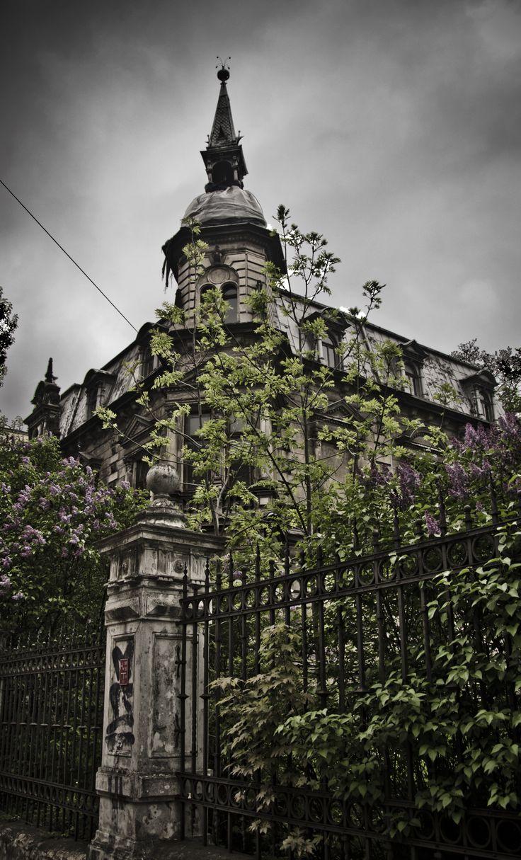 Mroczny pałac Kellera na Gdańskiej.