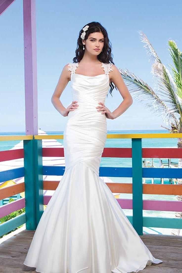 What is a mermaid wedding dress   best mermaid wedding dresses images on Pinterest  Wedding frocks