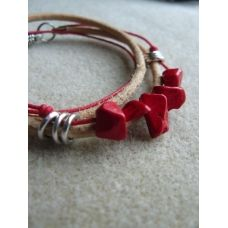 Lightbrown leather with red howlite