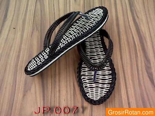 Sandal jepit rotan sintetis asli murah by GrosirRotan.com. Harga: 89.000. Bahan: rotan sintetis. Order: BBM 5569FC8A HP 081575069647