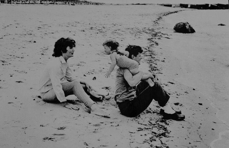 John F. Kennedy, Jackie, and Caroline, at the beach in Hyannis Port, 1959.