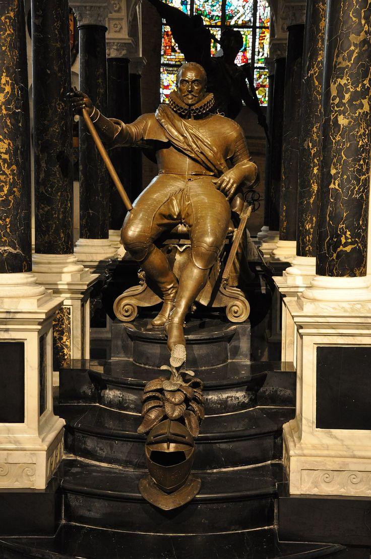 Beeld van Willem van Oranje, onderdeel van het praalgraf in de Nieuwe Kerk. De staf in zijn hand staat voor militair leiderschap. Hij heeft de Nederlandse Opstand geleid tegen het heersende en Katholieke Spanje.