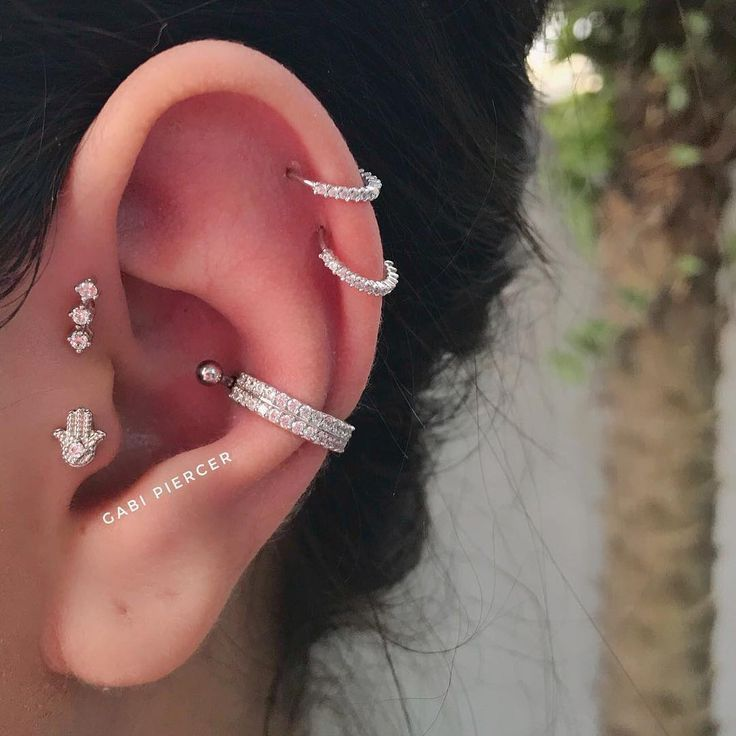 Made By Professional Gabi Piercer Forward Helix With Cluster