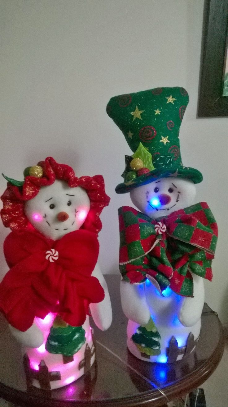 Mi pareja de nieves navideños