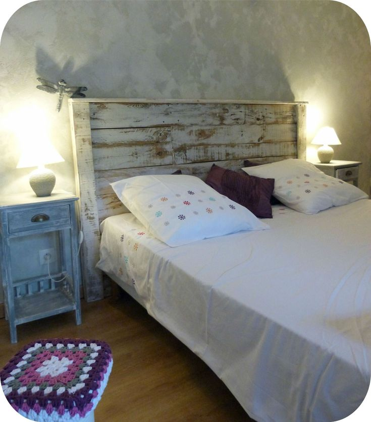 t te de lit palette bedroom pinterest. Black Bedroom Furniture Sets. Home Design Ideas