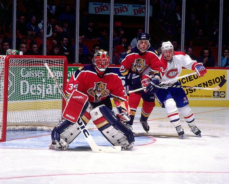 Stéphan Lebeau : En 1993-1994, il a été échangé aux Mighty Ducks d'Anaheim en retour de Ron Tugnutt. Après deux saisons en Californie, dont une écourtée par un lock-out, Lebeau s'est exilé en Suisse où il a joué sept saisons avec HC Lugano, HC La Chaux-de-Fonds et Ambri-Piotta. Après avoir annoncé sa retraite en 2000-2001, Stéphan Lebeau a été entraîneur-chef au niveau midget AAA avec les Cantonniers de Magog et dans la LHJMQ avec les Tigres de Victoriaville.