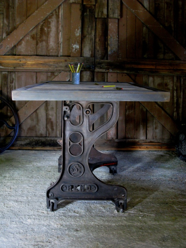 17 best images about metal repurposed on pinterest for Repurposed metal furniture