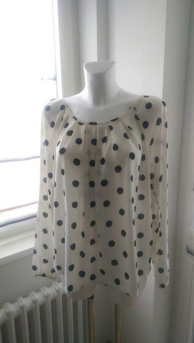 Bluse mit Punkten, gepunktete Bluse, Polka Dots