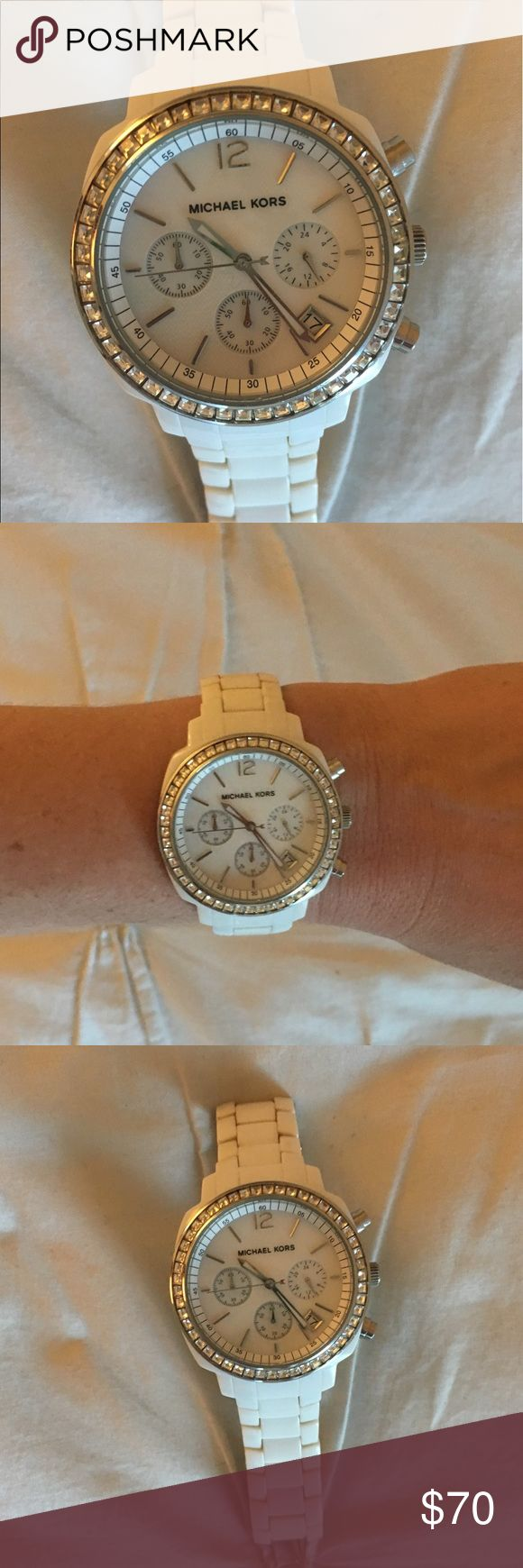 White Michael Kors Watch In excellent condition, needs a new watch battery but works great. For small wrists. Let me know if you have any questions! KORS Michael Kors Accessories Watches