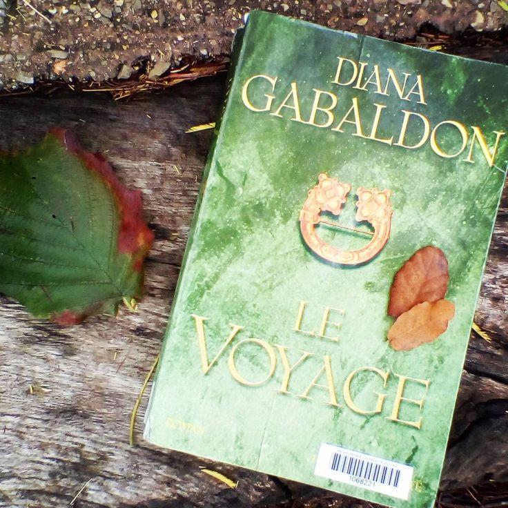 """""""Complètement accro à la série Outlander de Diana Gabaldon. J'en suis déjà au tome 3. #outlander #dianagabaldon #lechardonetletartan #jamiefraser…"""""""