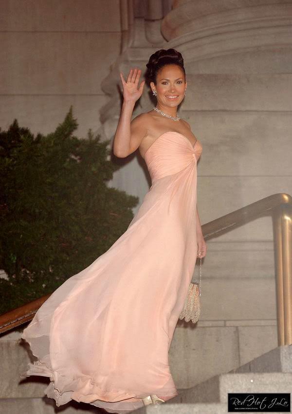 Jennifer Lopez s Pink Gown in Maid in Manhattan in 2019  56bd983b2494
