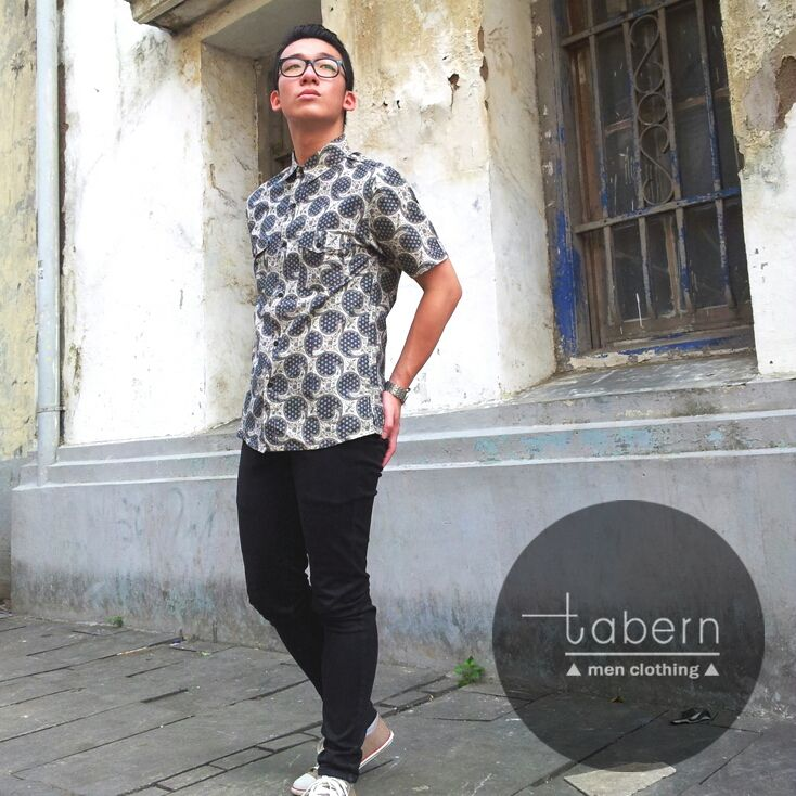 Type: Dave Size: M, L, XL  #batik #slim #men #pria #casual #baju #outfit #kemeja #kemejapria #atasan #batikpria #batikslim #batikfashion #fashion #top #jual #menstop #indie #limited #tidy #nerd #looks #young #style #stylish #gaya #muda  visit instagram: @tabern_clothing