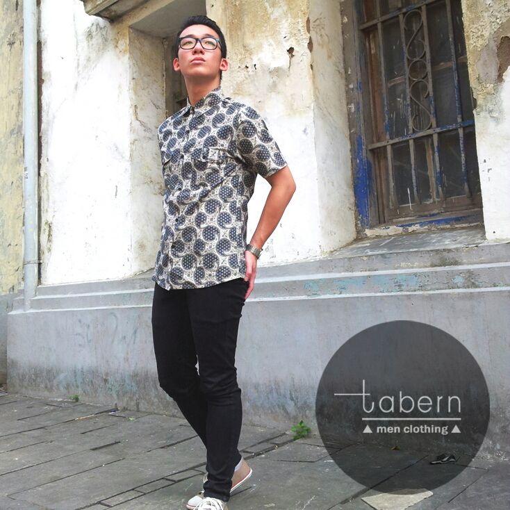 Type: Dave Size: M, L, XL  #batik #slim #men #pria #casual #baju #outfit #kemeja #kemejapria #atasan #batikpria #batikslim #batikfashion #fashion #top #jual #menstop #indie #limited #tidy #nerd #looks #young #style #stylish #gaya #muda  visit instagram: @tabern_clothing