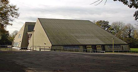 440px-Pyramid_Ilkeston_School.jpg (440×230)