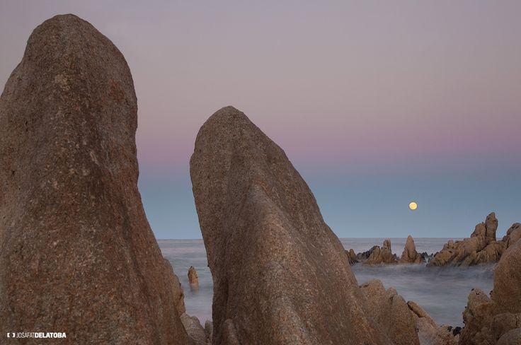 Full Moon in Playa las Viudas #josafatdelatoba #cabophotographer #landscapephotography #fullmoon #loscabos #sea