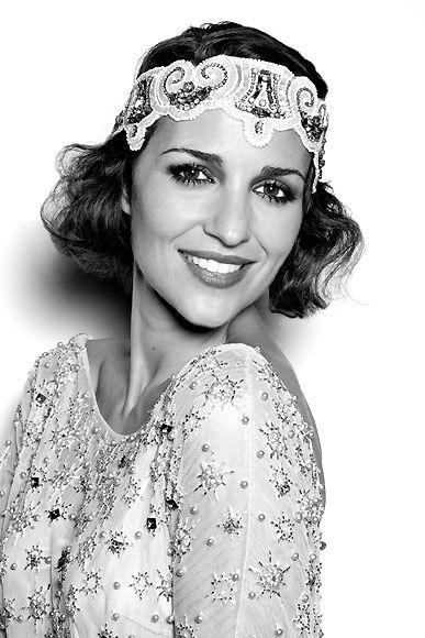 Paula Echevarría, imagen del 'glamour' de los locos años 20 - #Tocados y #sombreros en @BijouPrivee