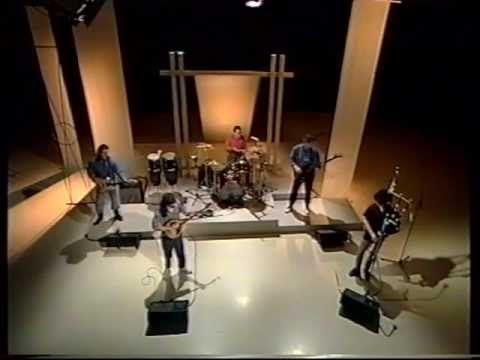 "Gordon Duncan in the ""Dougie MacLean Band"" - YouTube"