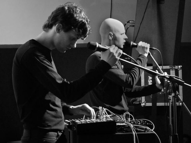 Wojtek Bąkowski (musician and visual artists) with Dawid Szczęsny (music producer) form a band called Niwea playing electronic experimental music. A photo from their concert at the museum!