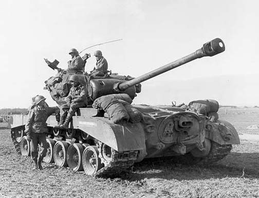 M26 Pershing heavy tank of US 9th Armored Division, near Vettweiss, Germany, Mar 1945. #worldwar2 # tanks