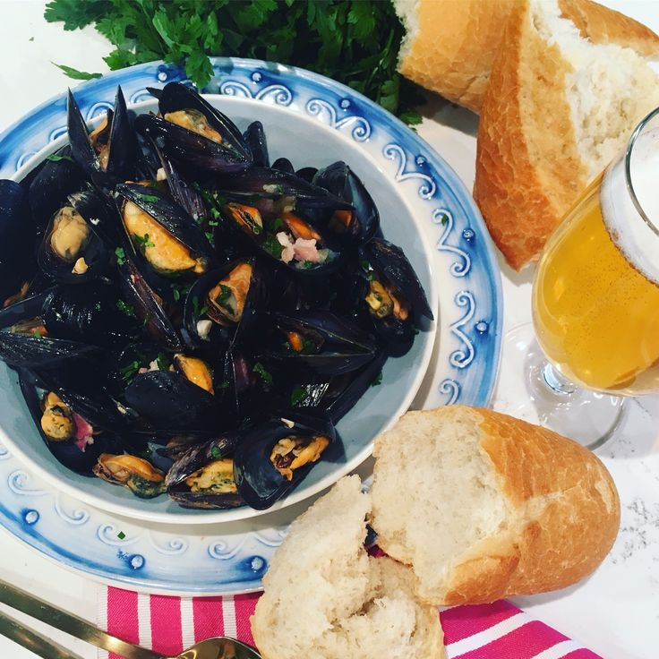 Phil Vickery's mussels with bacon and beer