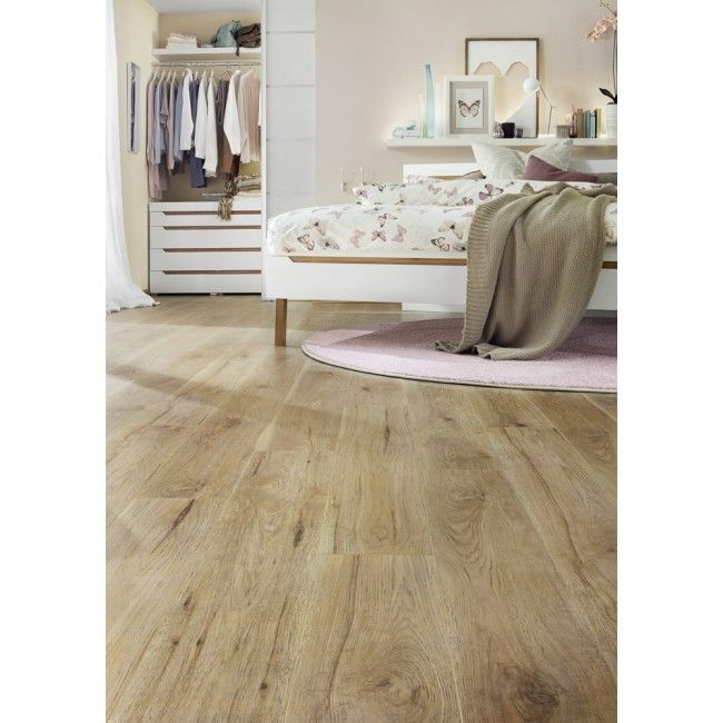 Wickes Orleans Oak Laminate Flooring It Ll Go Nicely With The Dark Wood Colour That Leads Up Stairs