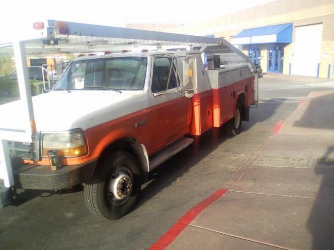 New Crawler Hauler Ex U Haul But Not A Box Van Pirate4x4 U Haul Used Trucks For Sale Used Trucks Used Trucks For Sale Van