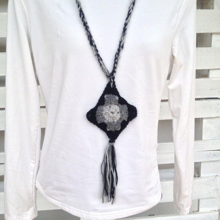 Crochet necklace pendant diamond, boho winter accessory, winter jewellery…