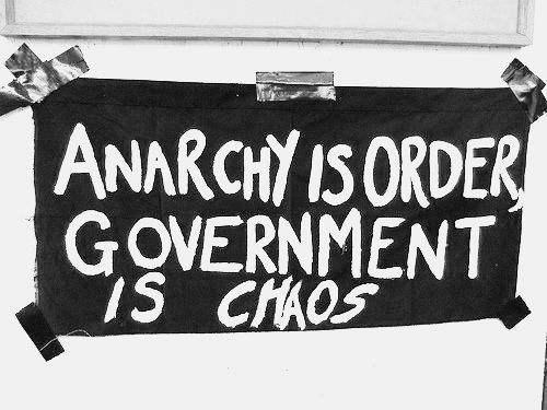 anarchy in the government Anarchy is the lack of power structures and government there is a government of somalia, it's just not very good at what it's trying to do however, even if there were not a group that was originally the government, the warlords and militia groups are still there.