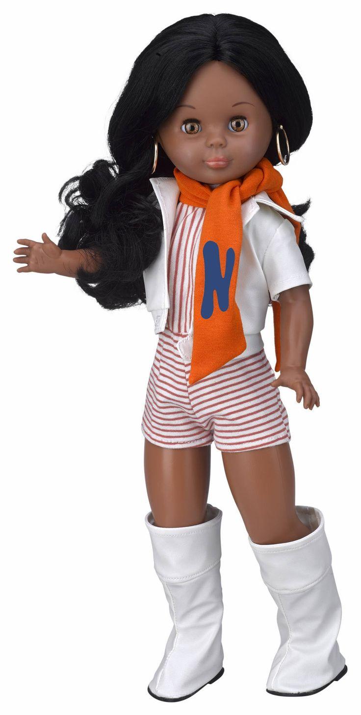 Nancy Mulata Minishort #MiFavoritoFamosa  Sí soy una clásica, me encanta Nancy de Famosa, para mi no pasa de moda y si te gustan las muñecas no hay ninguna que la supere. No recuerdo haber visto este modelo de Nancy de pequeña, seguro que si lo hubiera visto lo hubiera pedido!!! Está realmente guapa :)