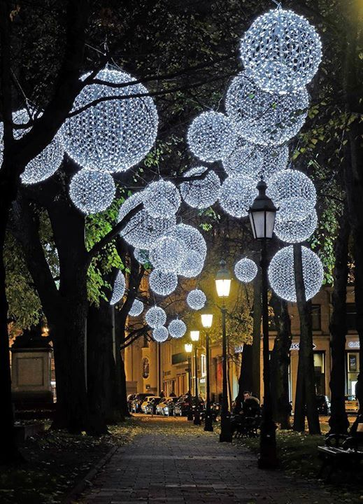 light installation by Mbeam - Lichtkunst + Lichtinstallation Photo via  muenchen.de | 景观 in 2019 | Pinterest | Christmas decorations, Christmas and  Outdoor ... - Light Installation By Mbeam - Lichtkunst + Lichtinstallation Photo