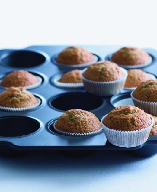 muffiny, naplnit úplně až po okraje, péct 25 min.