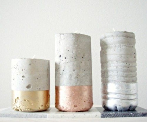 Prepara portavelas de cemento o concreto utilizando recipientes que usalmente descartas en casa...