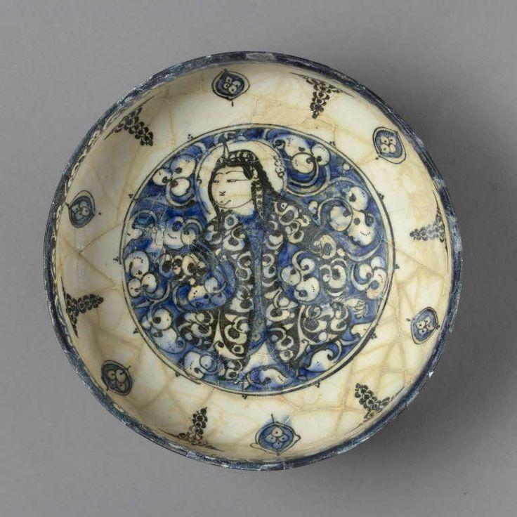 Coupe au prince assis  13e siècle  Iran Céramique, décor peint sous glaçure