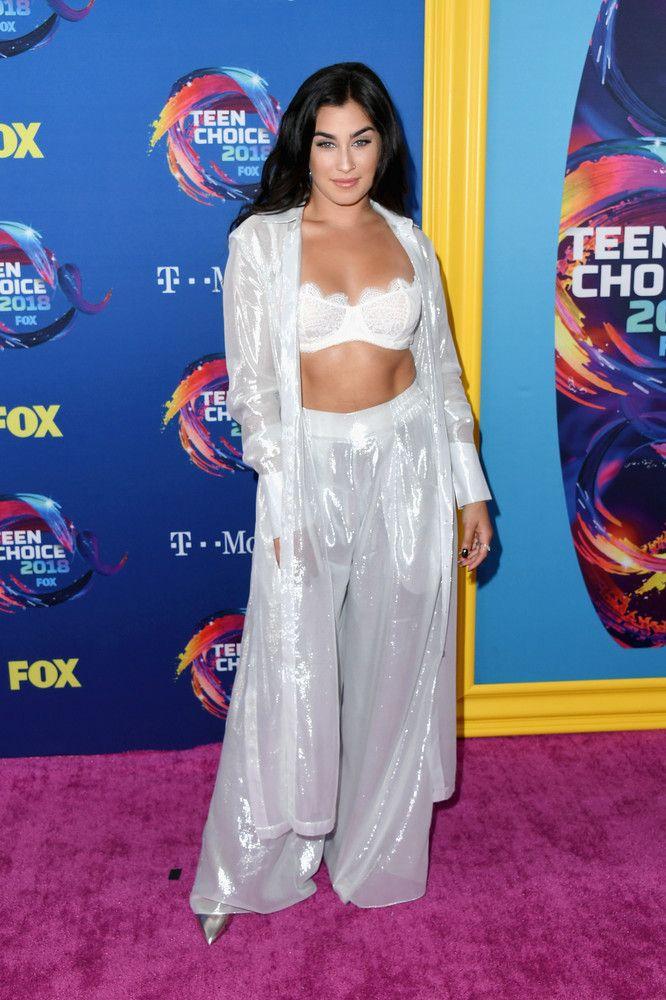 Lauren Jauregui at the 2018 Teen Choice Awards in Inglewood Teen Choice Awards, T Mo, Lgbt, Two Piece Skirt Set, Glamour, Stock Photos, Celebrities, Pictures, Image
