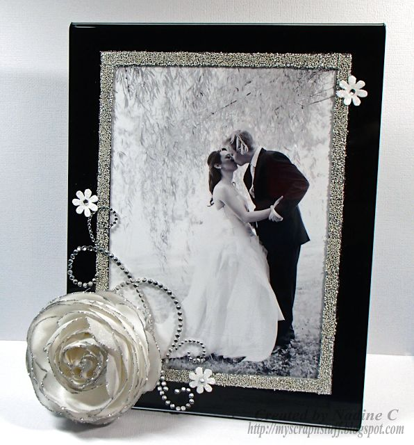 Easy DIY Wedding Frame makes a great gift using a frame from @deflectocraft and products from @imaginecrafts by @scrappinready