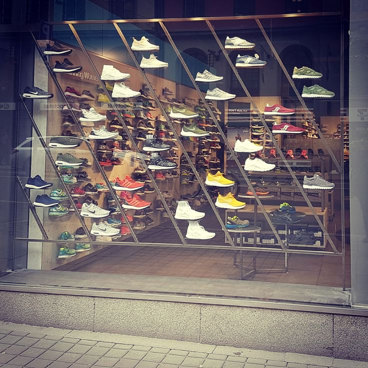 Sneaker Display for Stadium Pulse/Stockholm Design: Karin Lundberg