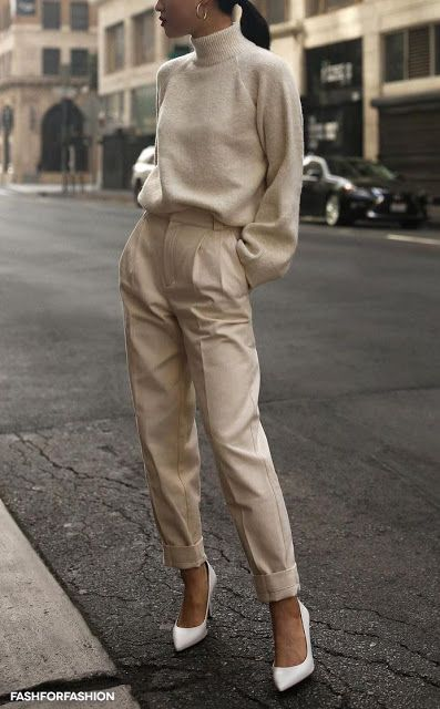 style | winter fashion | fall look | autumn outfit | ootd | neutrals | beige | turtleneck | cigarette trousers