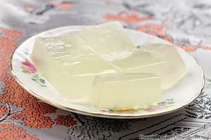 Yummy Vietnamese jello. Rau câu is Vietnamese jello made with agar agar, which is a seaweed by-product, similar to gelatin (except it\'s vegetal).