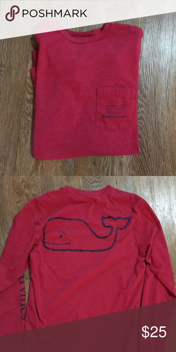 Vineyard Vines Long Sleeve Whale Graphic T-Shirt EUC Vineyard Vines Men's XS Long Sleeve Whale Graphic T-Shirt Men's XS Vineyard Vines Shirts Tees - Long Sleeve