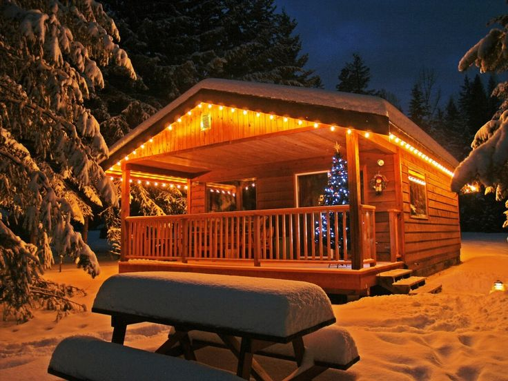 Cozy Cabin With Classy Christmas Lights!