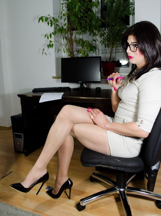 gallery-of-beautiful-transvestite-legs
