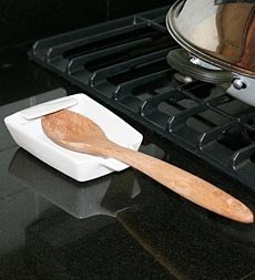 ceramic-spatula-and-utensil-holder-protects-stove-and-countertops