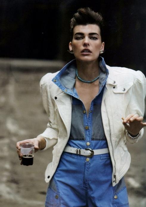 Moda anos 80... ombreiras inesquecíveis !