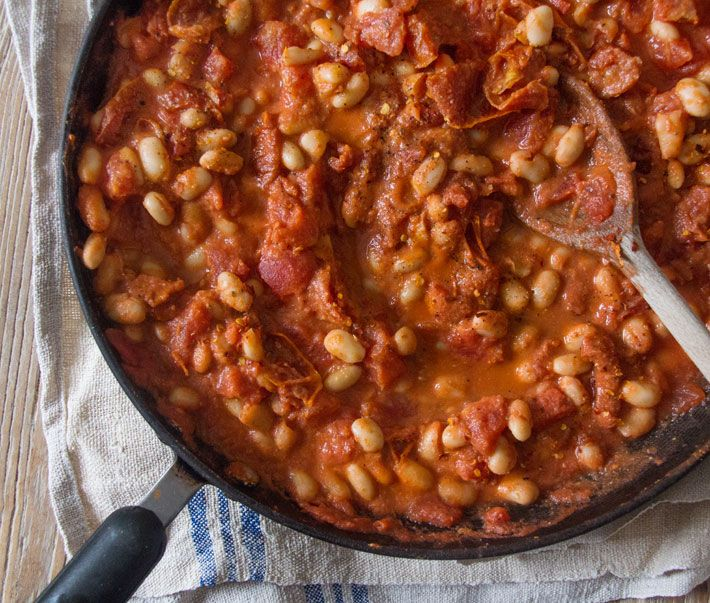 Ella's Cannellini Bean Stew: 1 can canellini beans, 1 can tomato, 1/2 T tahini, 2 garlic cloves or 1 t garlic powder, chilli powder, salt & pepper. Mix them in a pan and heat up.