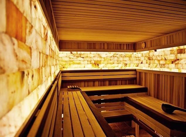 Сауны и помещения из гималайской соли дают своим посетителям возможность дышать чистейшим воздухом, насыщенным натрием и барием. Чудесные свойства гималайской розовой соли - это уникальный дар природы, который способен стать незаменимым лекарством.