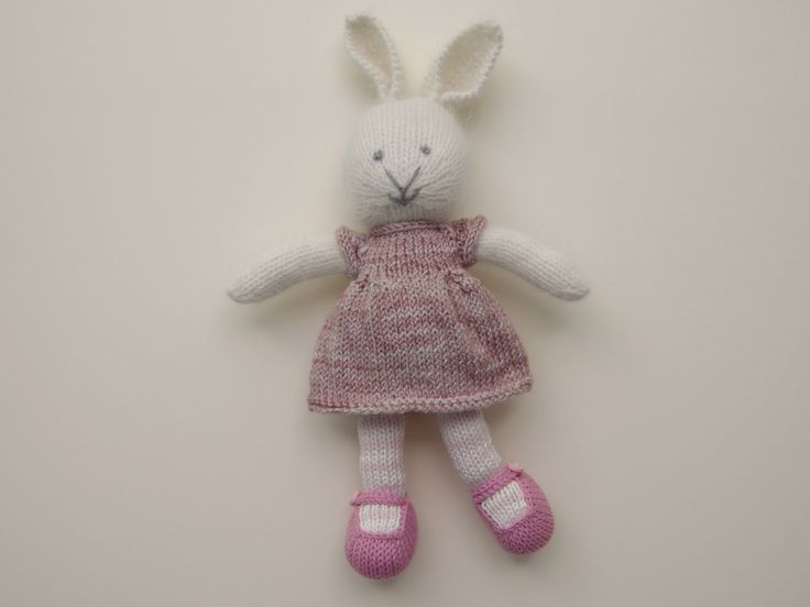 The first bunny I made using Julie's wonderful pattern.  The dress was one I scaled down from a pattern I was test knitting at the time.